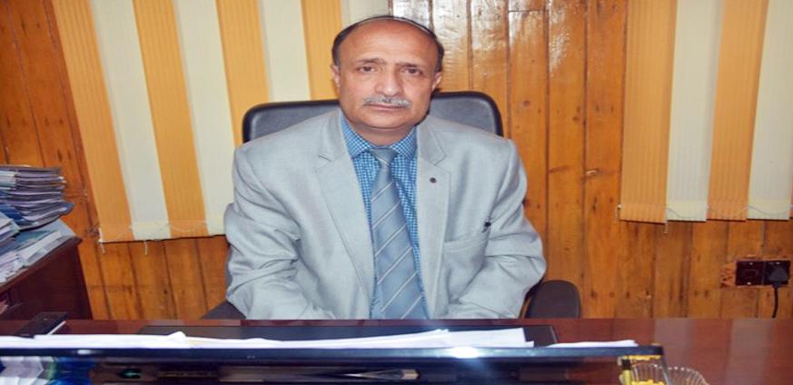 Prof(Dr) Mushtaq Ahmad lone Principal